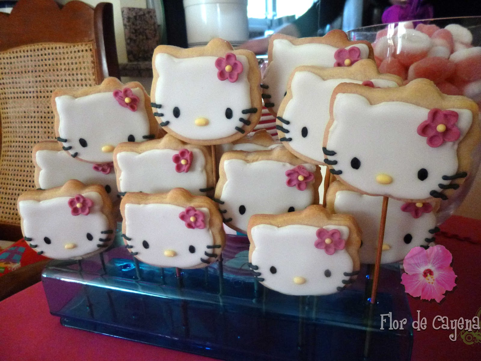 Flor de cayena tarta hello kitty - Cortinas de hello kitty ...