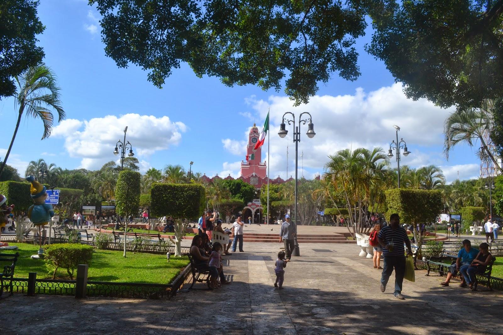 Caracoleando por el mundo primeros d as por la colonial for Oficina de turismo de merida