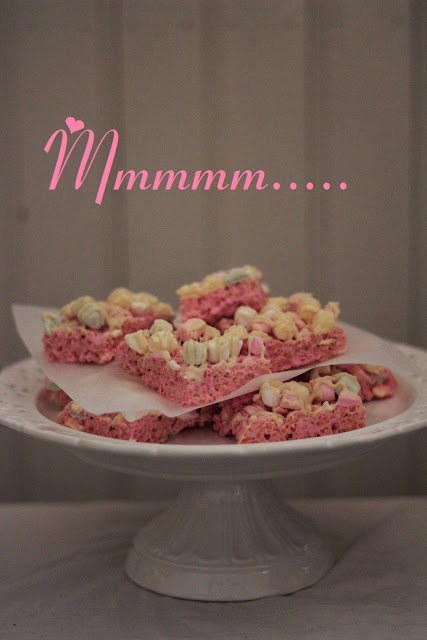 Vaahtis-riisimuropalat / Marshmallow Rice Krispies Treats