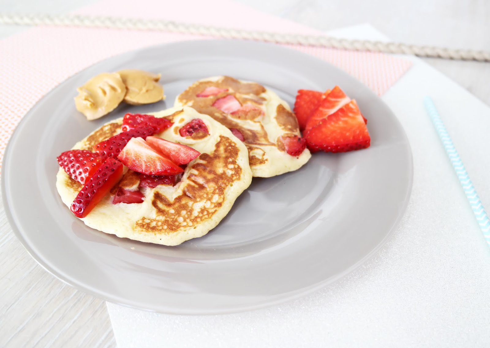 pancakes banane fraise la recette shylylovely. Black Bedroom Furniture Sets. Home Design Ideas