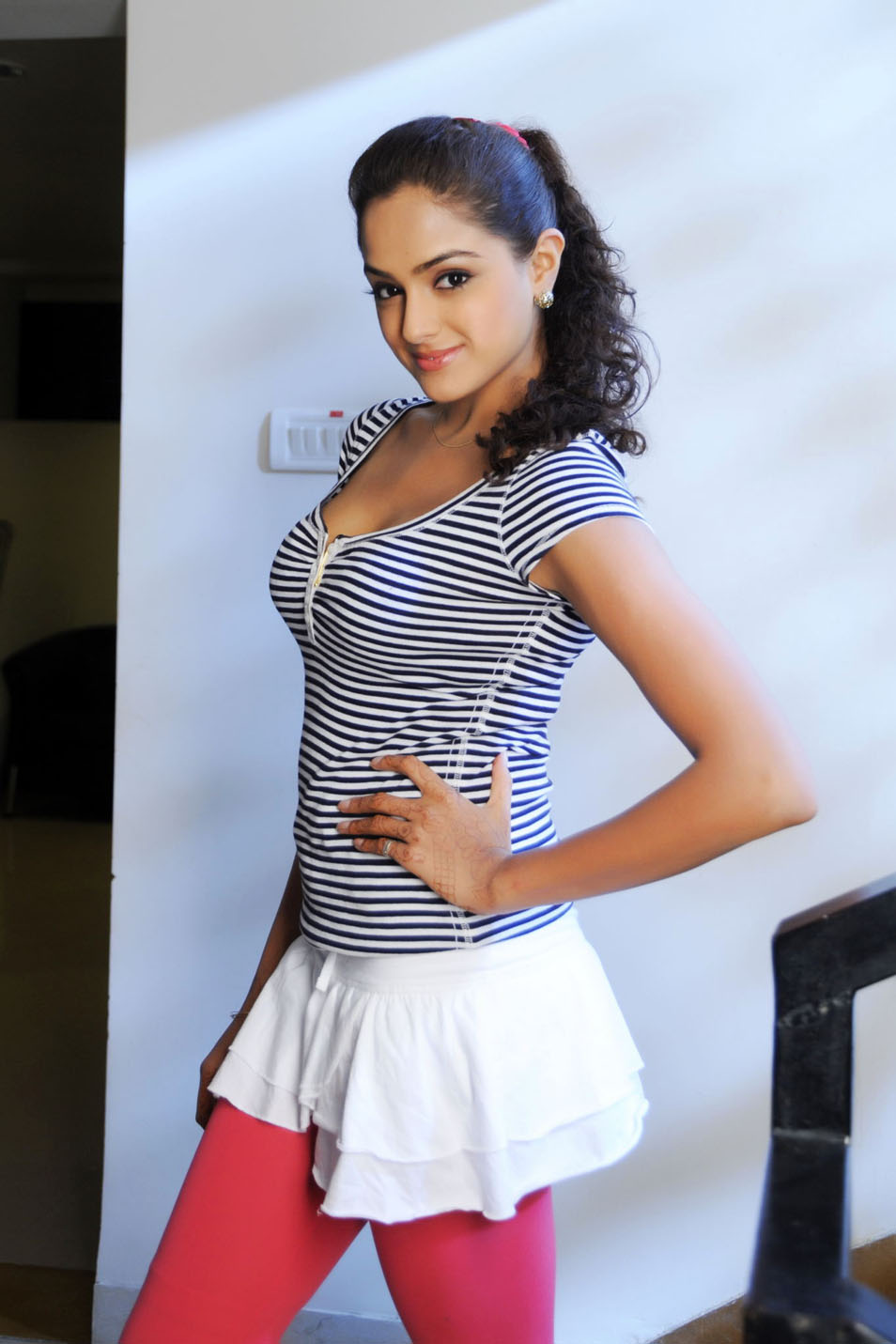 Watch Asmita Sood 	2011 video