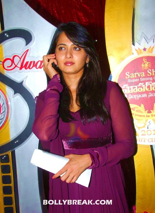 Anushka in wine colored churidar - Anushka photos in various outfits