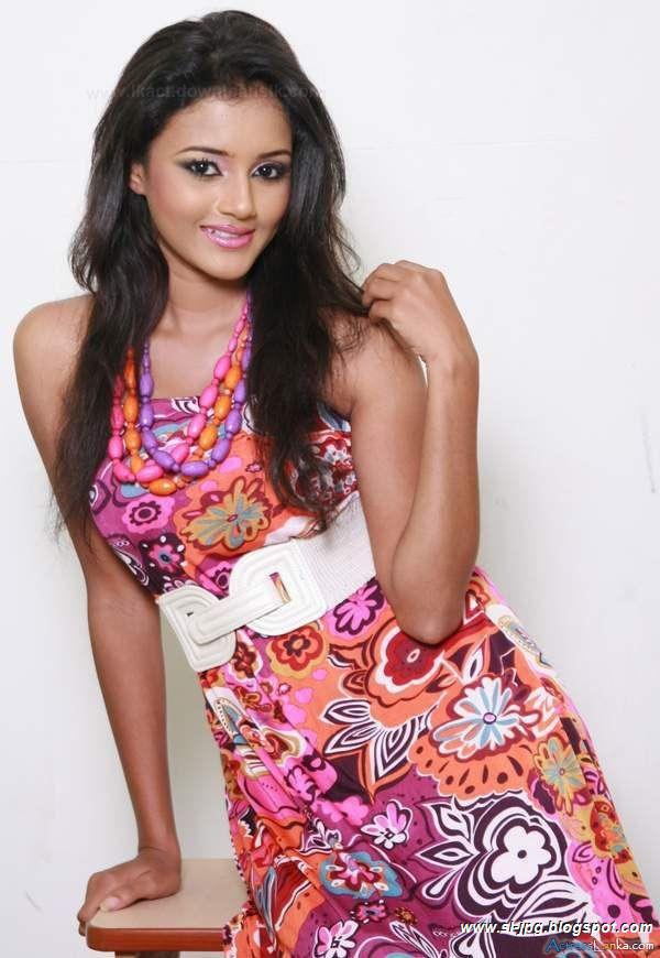67 kb sri lankan actress dinakshi resolution 600 x 870