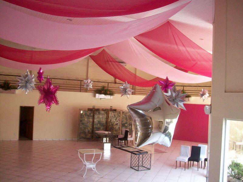 Decore sua loja e seu estabelecimento aqui Tudo para suas festas e decorações! Decoraç u00e3o com  -> Decoração De Festa Com Balões No Teto