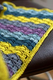 plaid-bébé-crochet-vagues