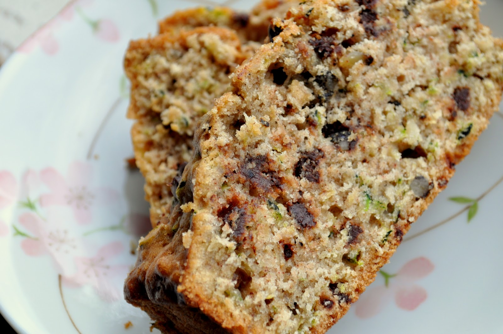 Pocket Full Of Buttons: Zucchini Chocolate Chip Bread {recipe}
