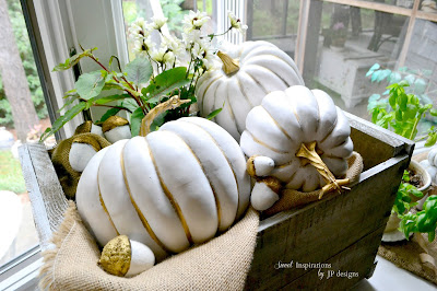 decorating a bay window for fall