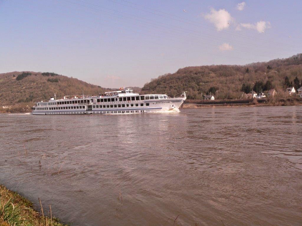 Camping Rhein Remagen Goldene Meile Frühling Ostern Schiff