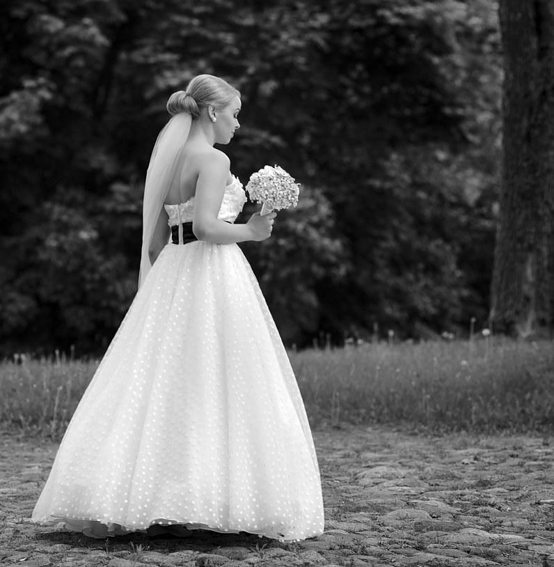 vintažinė vestuvinė suknelė su taškiukais panevėžyje