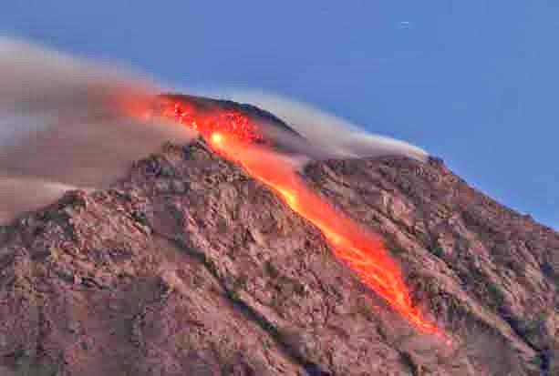 Tentang benda vulkanik dari gunung berapi