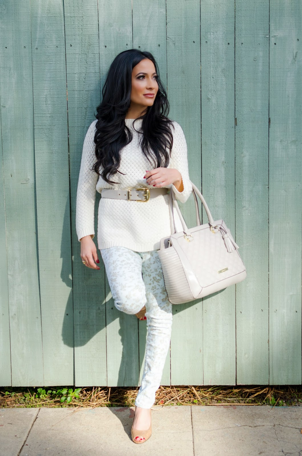Anne Klein Taupe Tote Talbots Sweater Abercrombie and Fitch Mint Filigree Jeans Master Design Belt Bandolino Heels