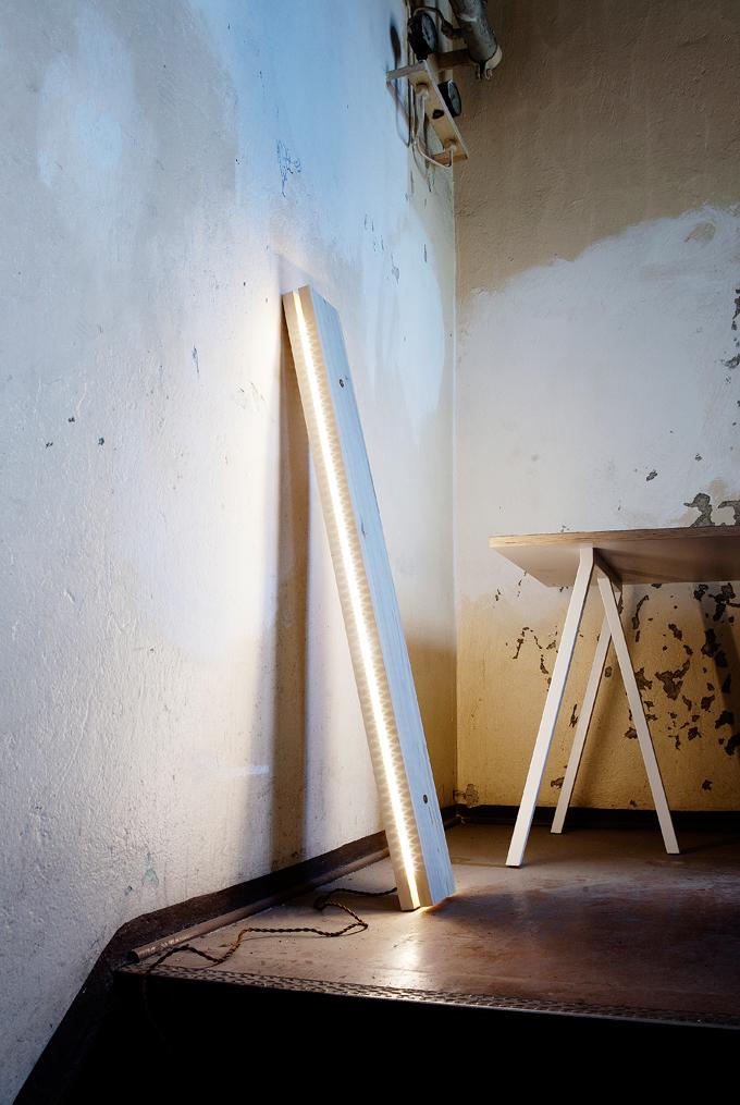 Ilia estudio interiorismo l mparas con madera y leds - Lamparas con madera ...