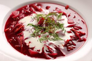 kovászos cékla erjesztés fermentálás borscs leves kapor orosz konyha szláv répa káposzta kecsketej joghurt creme fraiche