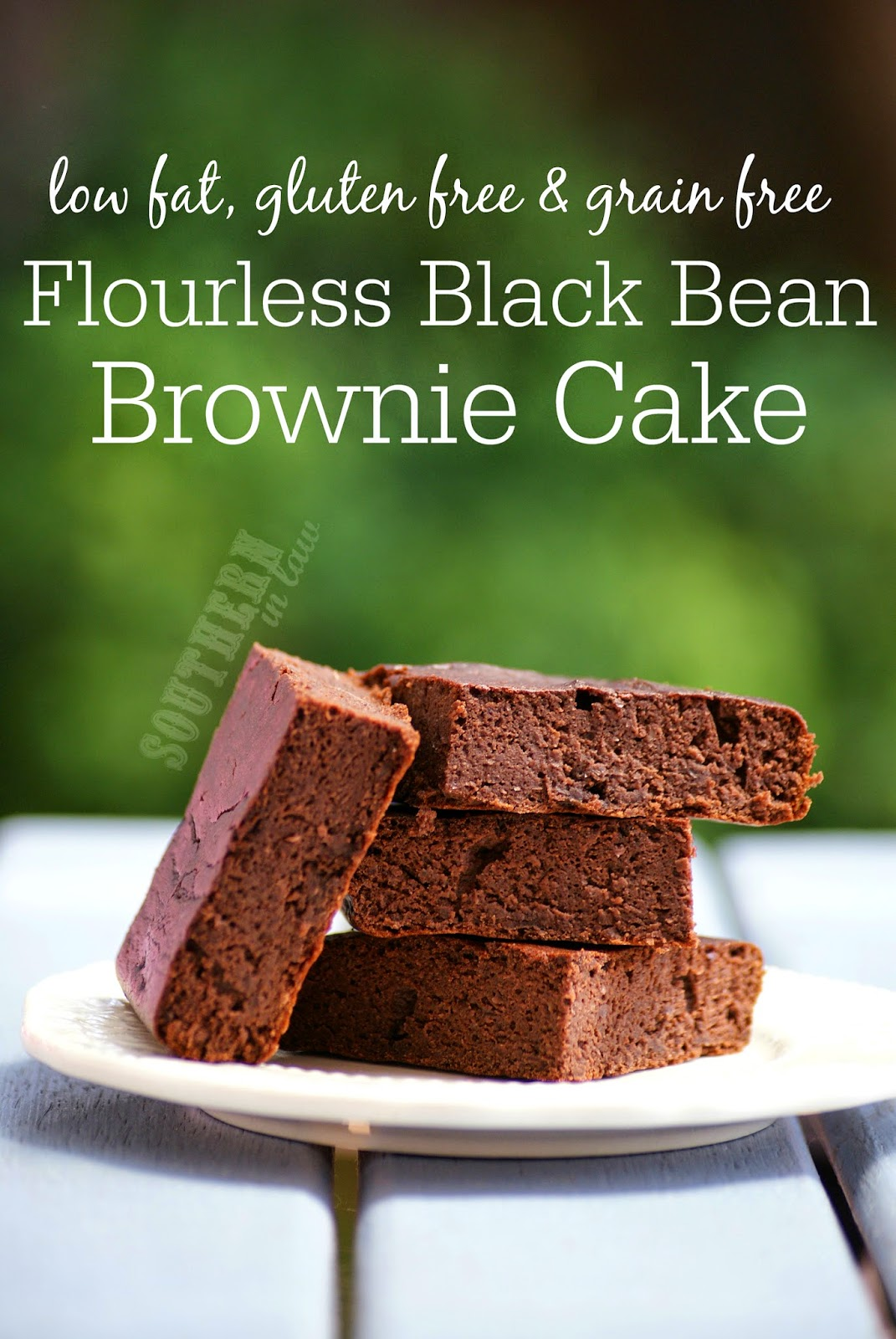 Healthy Flourless Black Bean Brownie Cake Recipe | low fat, gluten free, grain free, flourless, refined sugar free, clean eating friendly, low calorie brownie recipe