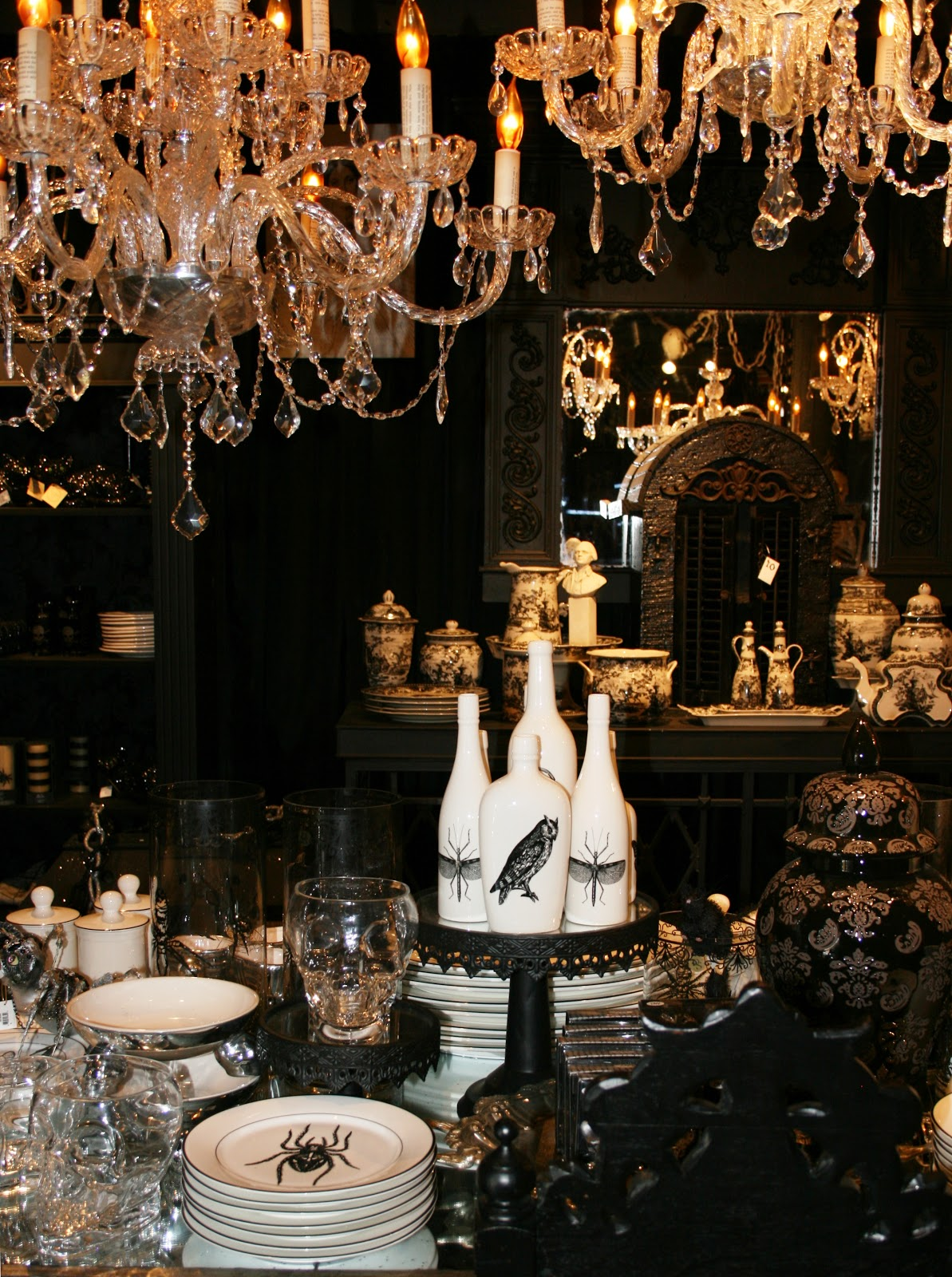 ciao newport beach halloween display at roger 39 s gardens. Black Bedroom Furniture Sets. Home Design Ideas