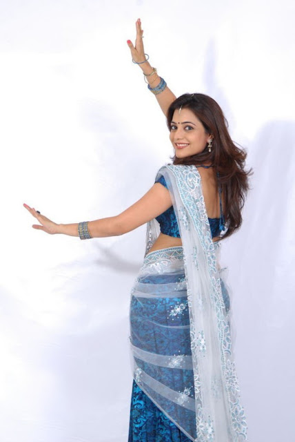 Nisha Agarwal saree shoot