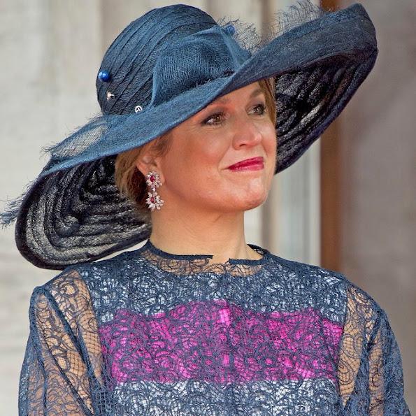 Queen Maxima Style Dress, Pumps, Clutch Bag, Jeweler, Earrings