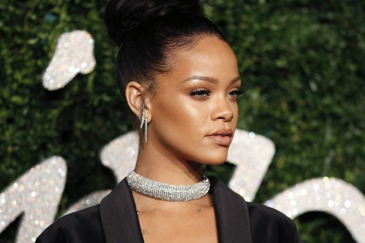 Os Looks de Rihanna