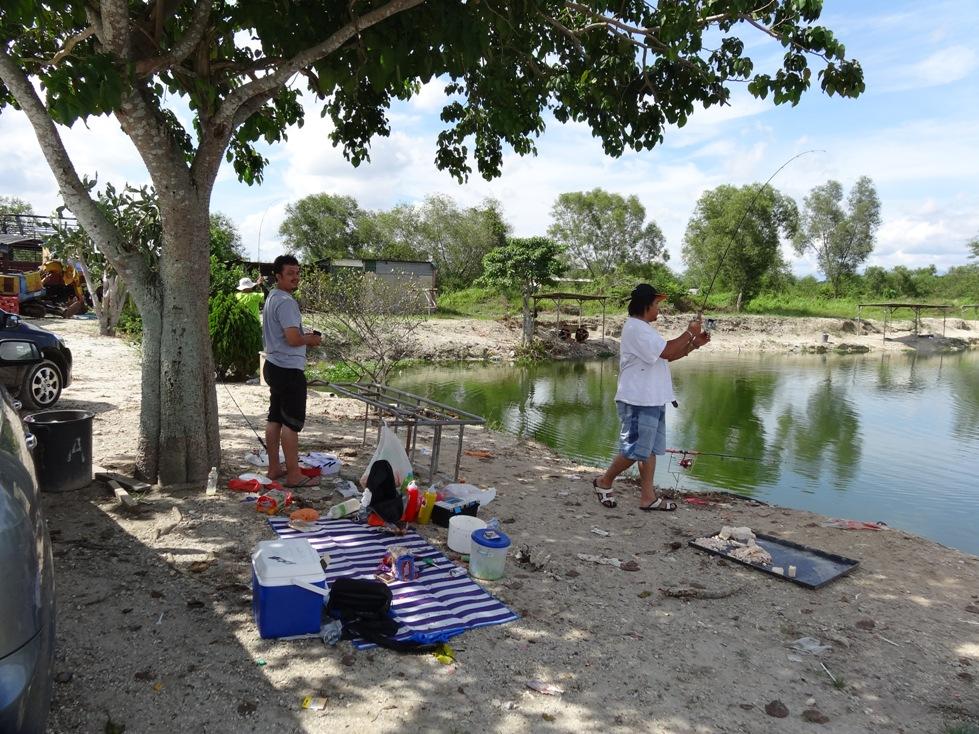Fishing spots in kuala lumpur selangor kundang for Fishing pond