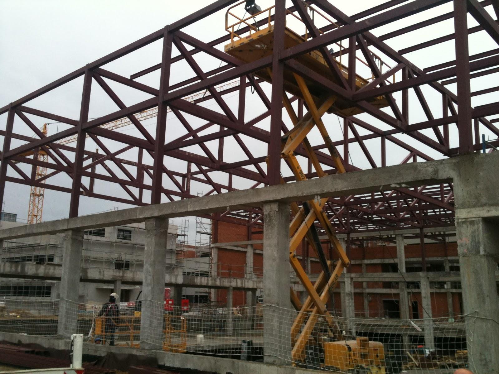 Metal y amianto construcci n de colegio con estructura y cubierta met lica - Estructura metalica cubierta ...