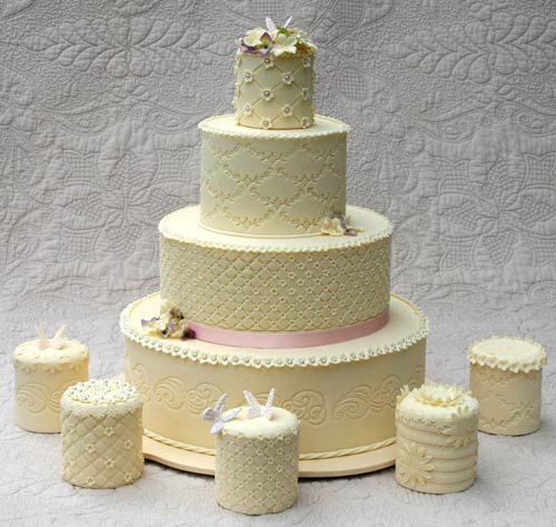 Adorable Mini Wedding Cake Ideas