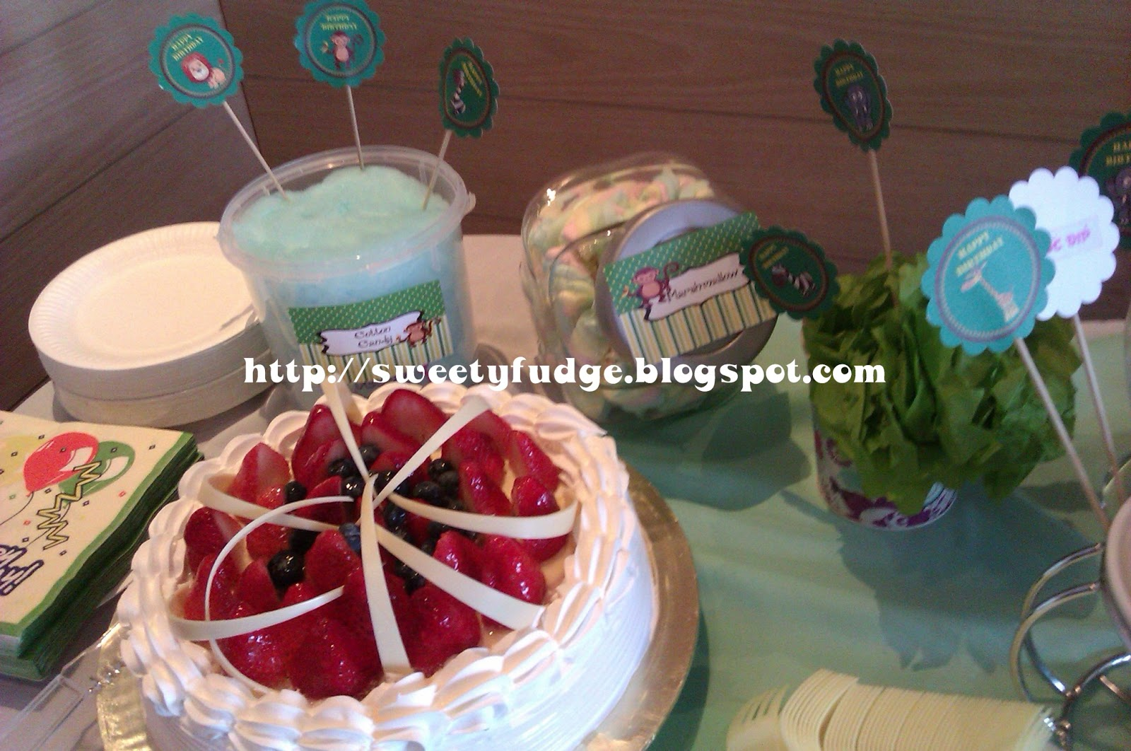 Sweetyfudge Bakery (001925672-X): New Product : Candy Buffet