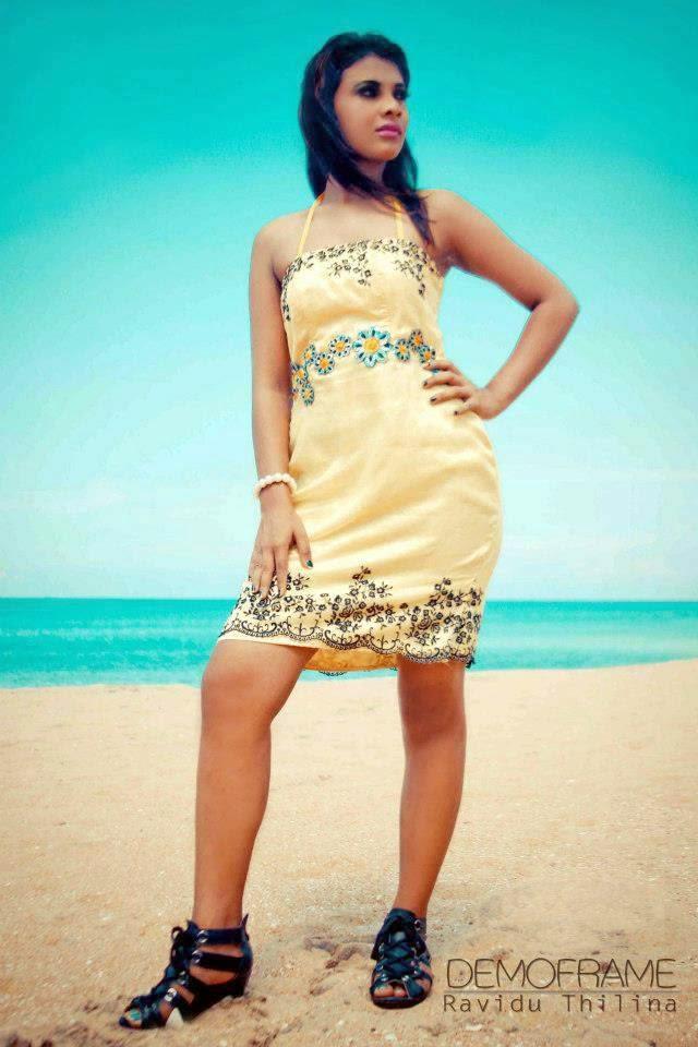 Hashini Madumanjali legs