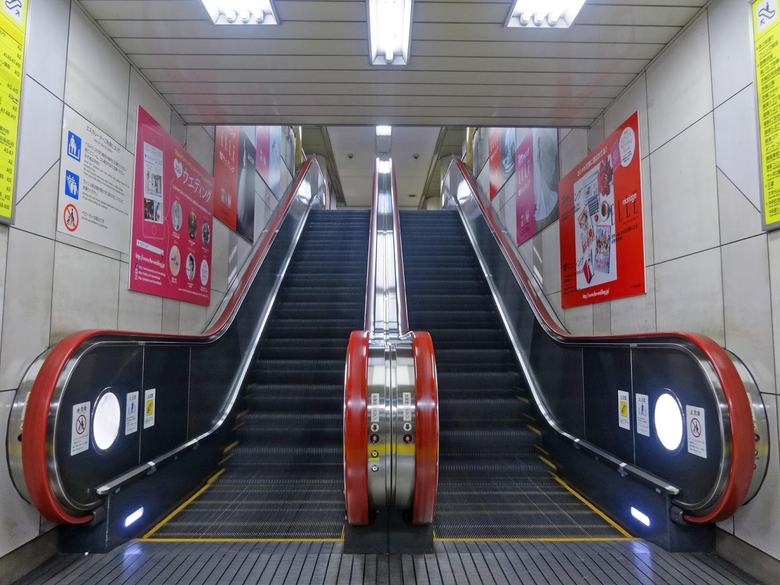エスカレーター,銀座駅〈著作権フリー画像〉Free Stock Photos