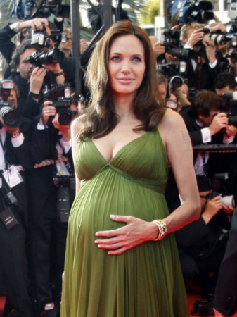 Pregnant Celebrities Over 50! - Tinseltown Mom