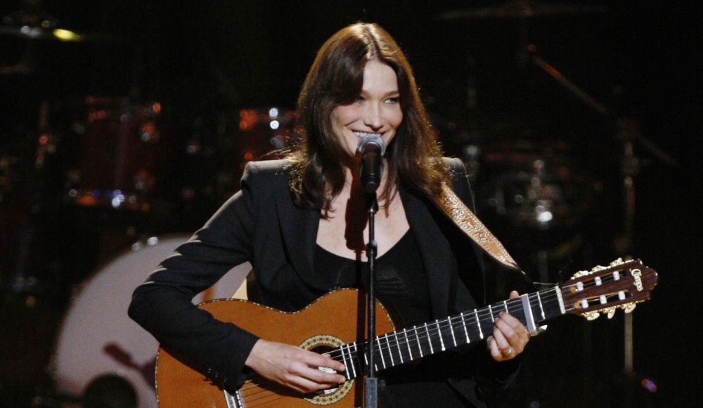 Carla Bruni Douce France Dolce Francia Charles Trenet1