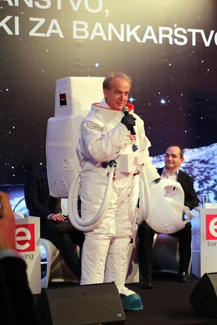 """""""Astronaut"""" se obraća publici"""