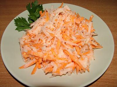 Biała rzodkiew z marchewką
