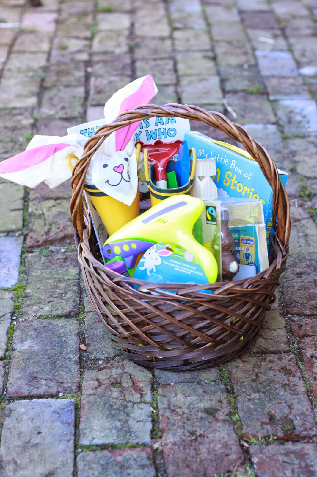 Life with the ladniers easter baskets 2015 3 year old and 6 easter baskets 2015 3 year old and 6 months old negle Image collections