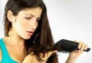 Cara Merawat Rambut Rontok dan Bercabang