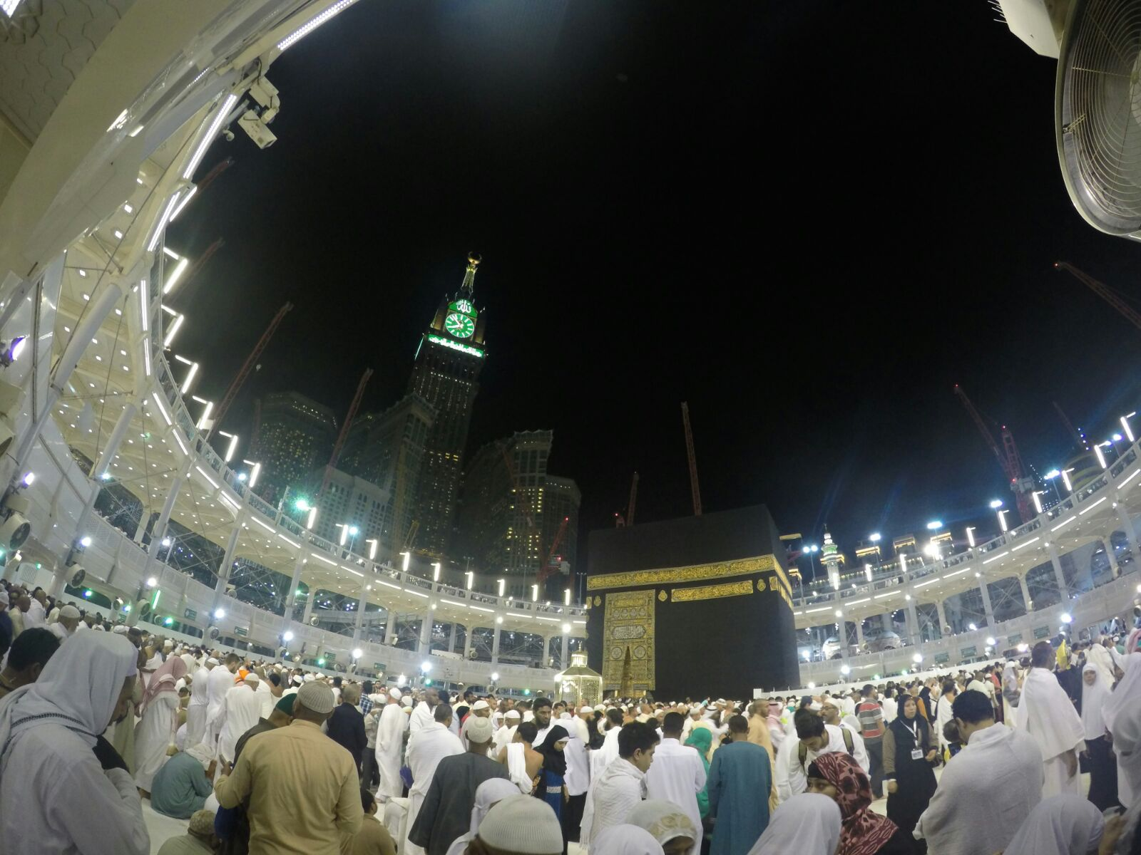 Hani sabri umrah hacks for ladies alhamdulillah a few days ago i got back home from an 11 day trip to the holy land of makkah and madinah it is true what they say it truly is a magical solutioingenieria Choice Image
