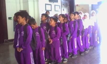 SBK, Sekolah Keluarkan Uang Untuk Praktik