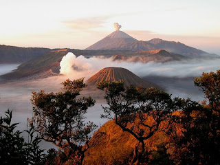 kumpuan foto pemandangan alam indah di indonesia