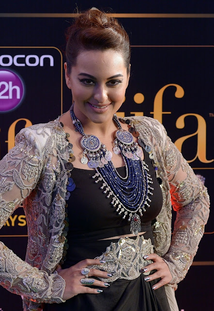 Sonakshi Sinha Super Sexy Stills From The IIFA Rocks Event During 16th International Indian Film Academy (IIFA) Awards 2015 At Istana Budaya in Kuala Lumpur