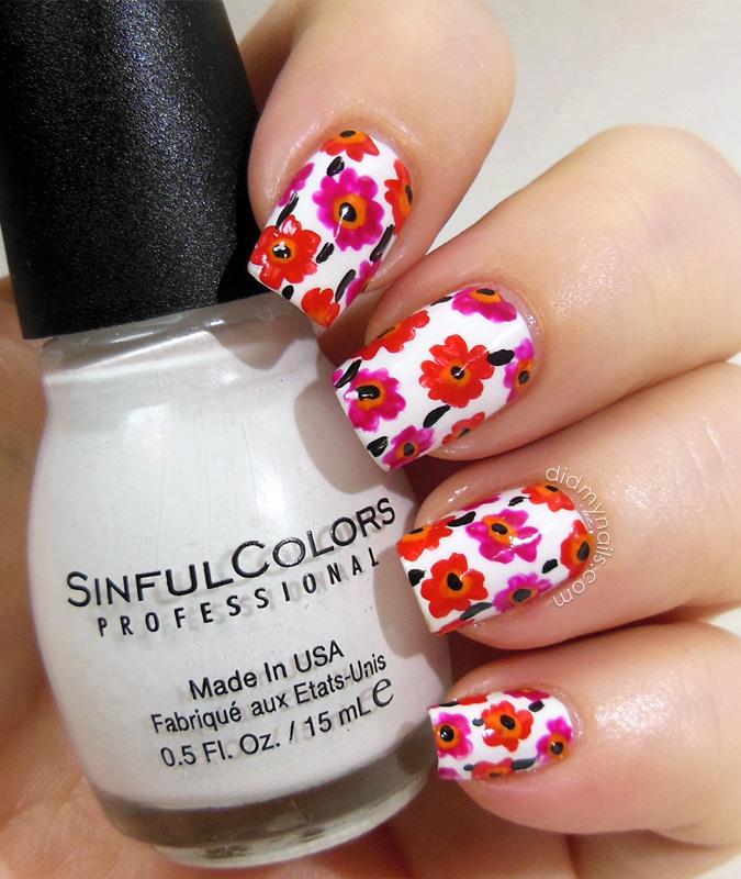 Marimekko flower nails