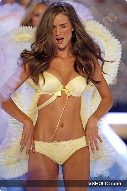 rosie huntington whiteley at the finale of the victoria s secret