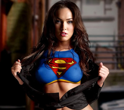 megan fox body painting. megan fox body paint superman. Posted by zebran2010 at 13:40