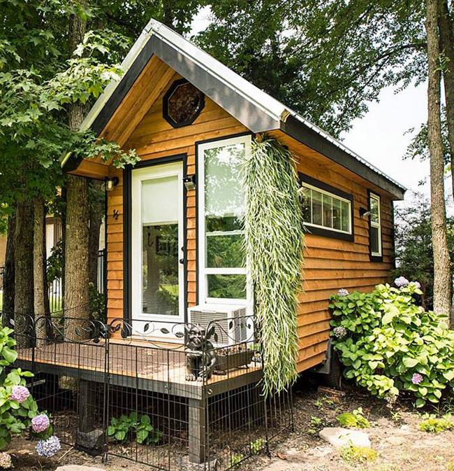 Lloyd s blog tiny happy homes for Small house companies