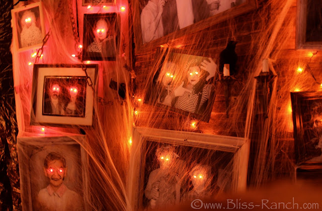 DIY creepy Halloween Portraits, Bliss-Ranch.com