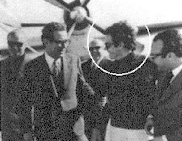Ο Ψυχάρης με τον κουμπάρο του Βύρωνα Σταματόπουλο, υπουργό Τύπου της χούντας