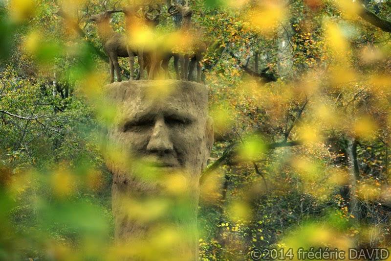 sculpture gardien friedmann forêt Rougeau Nandy Seine-et-Marne automne