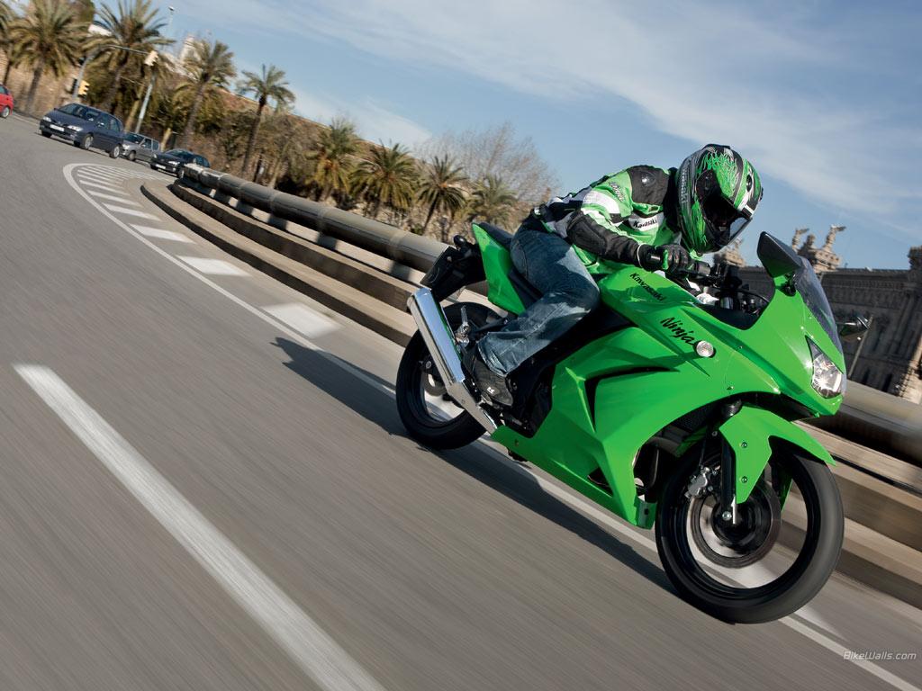 http://3.bp.blogspot.com/-_fUvOQGVH24/TeU44z8EWHI/AAAAAAAAFKY/SveMhdKnylI/s1600/Kawasaki+Ninja+250r+by+cool+images786+%285%29.jpg