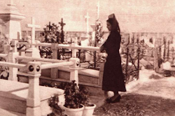 """La Tertulia"" del Camposanto sevillano."