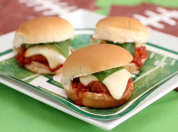 Good foodie meatball parmigiana sliders for Arlene s cuisine