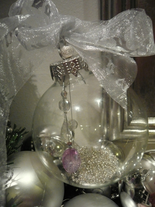 Lee caroline a world of inspiration how to make a for Crystal baubles christmas