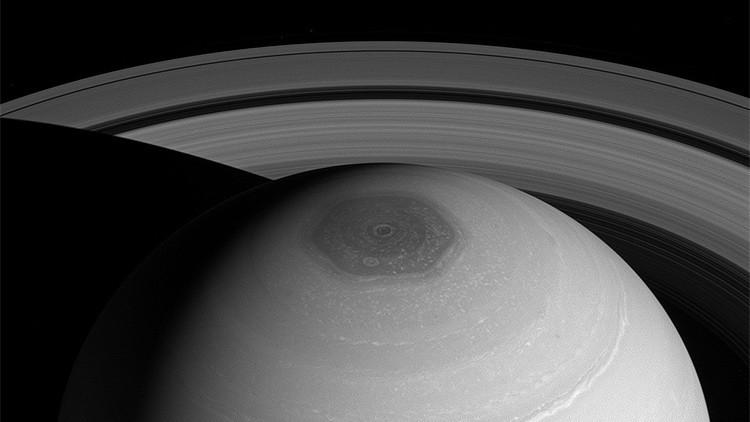 Explican el fenómeno del hexágono polar de Saturno.
